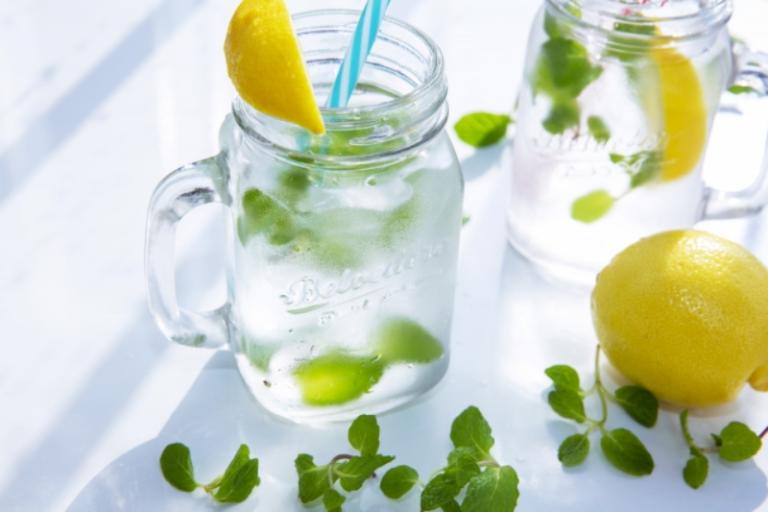 お水とレモン
